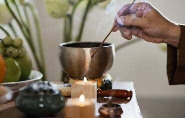 How to enrich your life with the mystical aroma of Frankincense & Myrrh Incense!